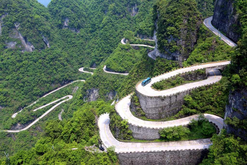 Гора Тяньмэнь в Китае Гора Тяньмэнь Гора Тяньмэнь, Китай gora tyanmen 4
