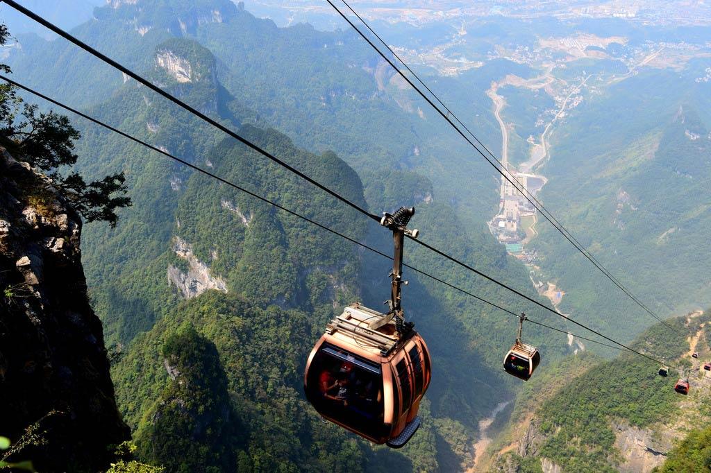 Гора Тяньмэнь в Китае Гора Тяньмэнь Гора Тяньмэнь, Китай gora tyanmen 6