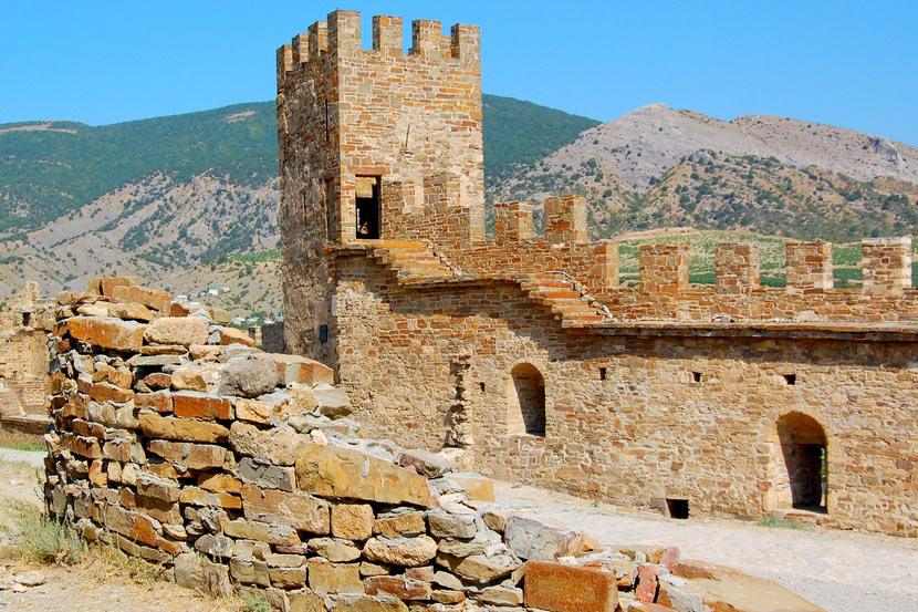 древние стены крепости