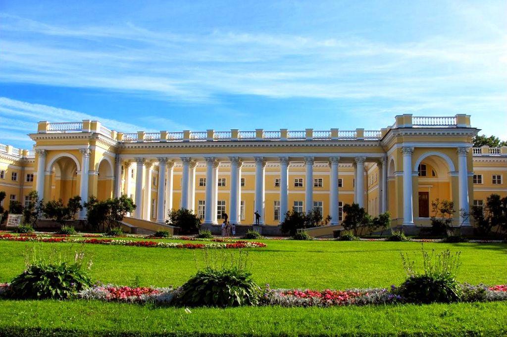 реже александровский дворец в царском селе фото бусы