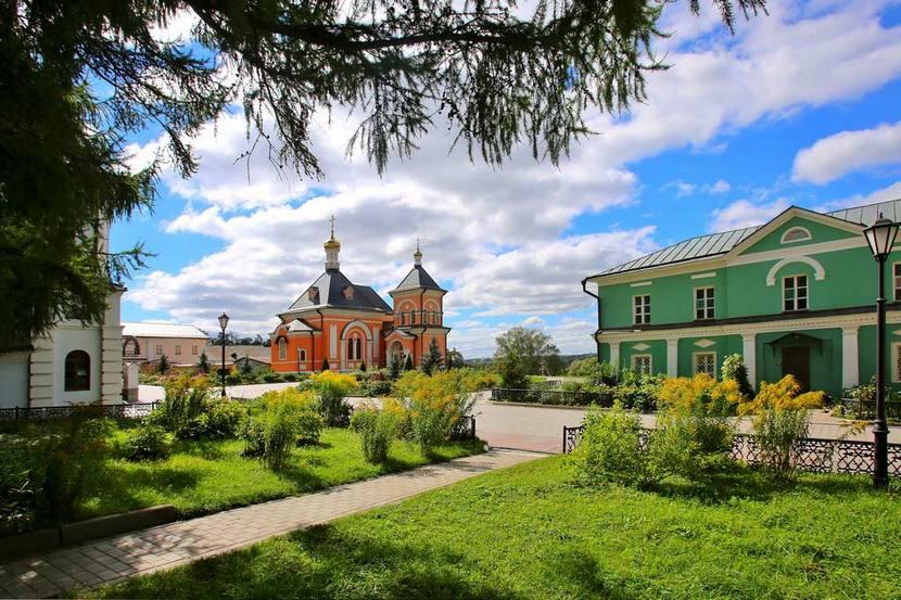 cerkov_spasa_preobrazheniya_optinoy_pustyni_2