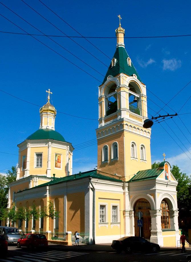 Храм Илии Пророка в Обыденском переулке в Москве