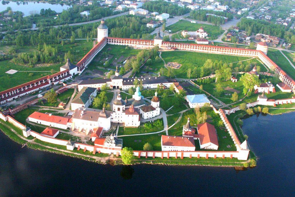 Кирилло-Белозерский монастырь в России
