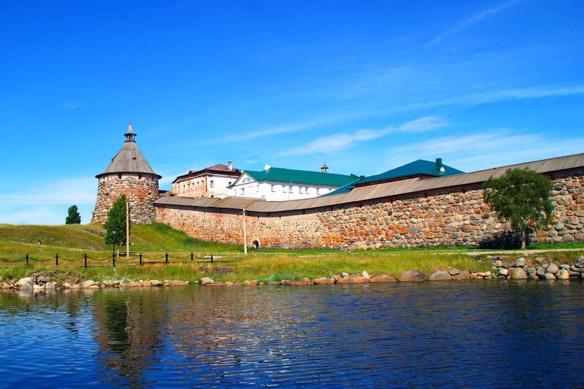 Соловецкий монастырь в России