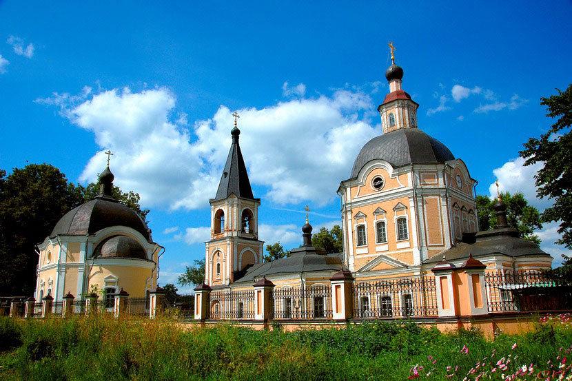 Храм Успения Пресвятой Богородицы в Сергиевом Посаде