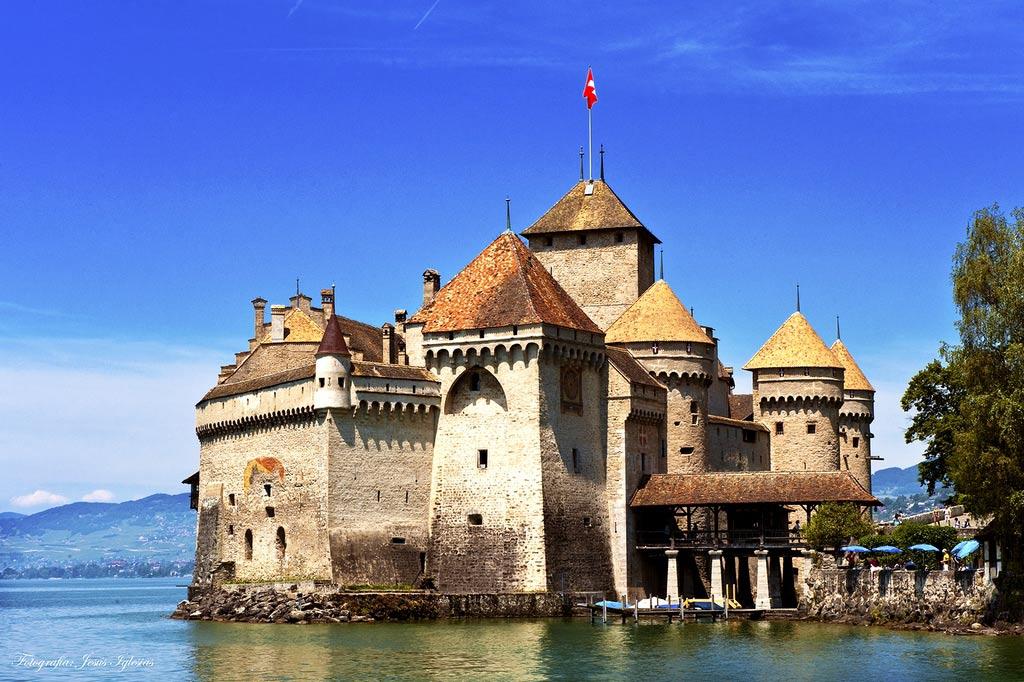 Картинки по запросу Шильонский замок