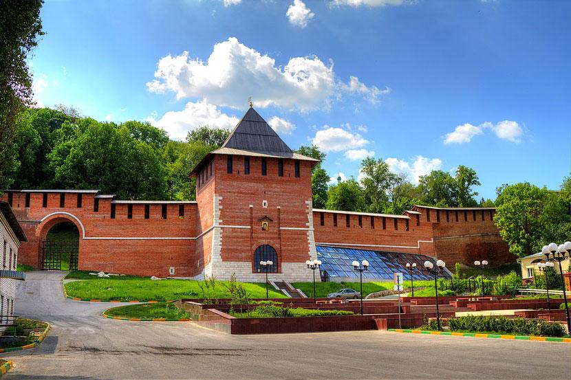 zachatevskaya_bashnya_nizhegorodskogo_kremlya_2